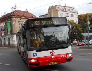 123-ka jezdí až na Klamovku - prázdná bez cestujících